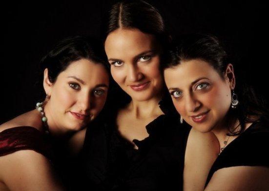 Zulal A Cappella trio